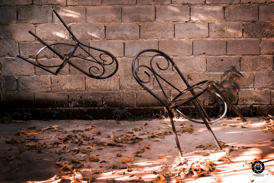 nightowl-productions-defying-gravity-Levitating-Chair